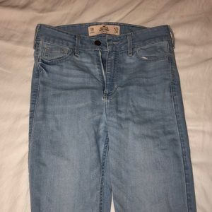 Woman's hollister high rise skinny jeans
